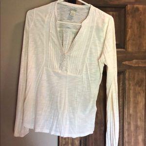 V-neck 3 button blouse